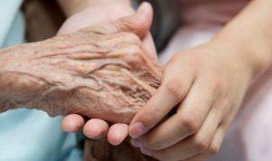 coronavirus-sintomas-personas-mayores-tercera-edad-derechos de las personas mayores-abogados derecho de familia