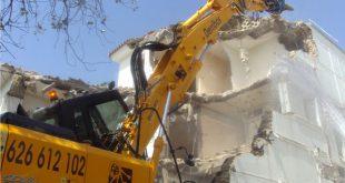 delitos contra urbanismo con sentencia de derribo del edificio